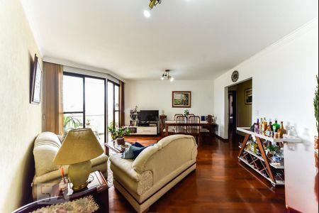 df6fa8c8e6cf4 Apartamentos com armários na cozinha para alugar em R. Domiciano ...